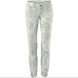 Cabi Crop Leaf-print skinny jeans Size 4 (6)